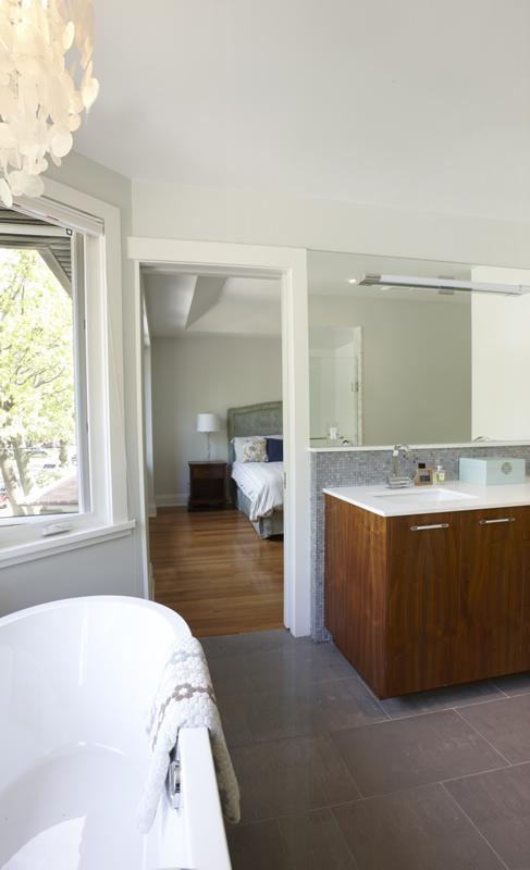 386 Armadale - Bathroom 1 edit
