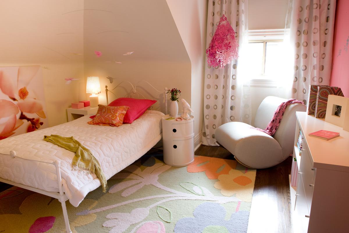 105_brae_girls_bedroom_view_1